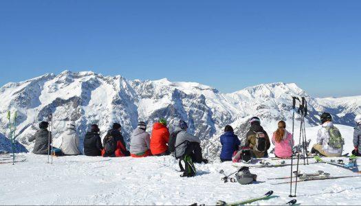 Како да скијате на Алпите со ограничен буџет